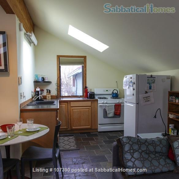 Quiet, furnished private carriage house studio apt. w/flexible start  & stop date Home Rental in Ann Arbor, Michigan, United States 6