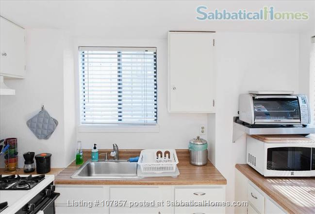 Garden Apartment in Desirable Grand Lake Area Home Rental in Oakland, California, United States 6