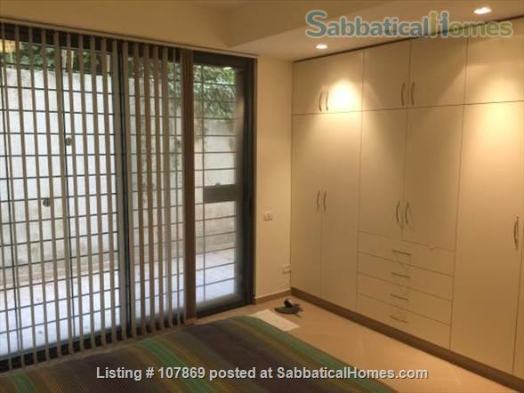 Beautiful luxury two bedroom furnished apartment overlooking the Dome of the Rock Home Rental in Jerusalem, Jerusalem District, Israel 3
