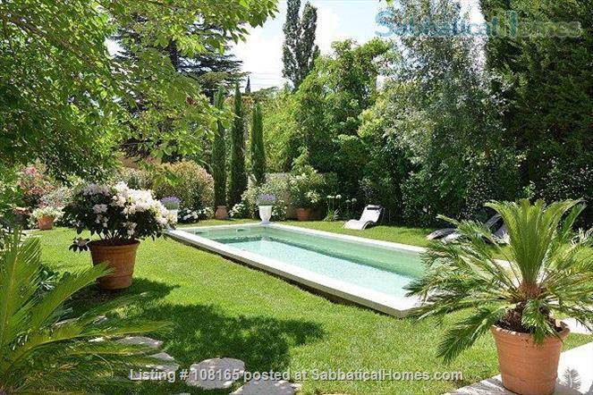 VILLA CEZANNE A CHARMING HOUSE 5 MN BY FOOT TO CENTER TOWN AIX EN PROVENCE Home Rental in Aix-en-Provence, Provence-Alpes-Côte d'Azur, France 1