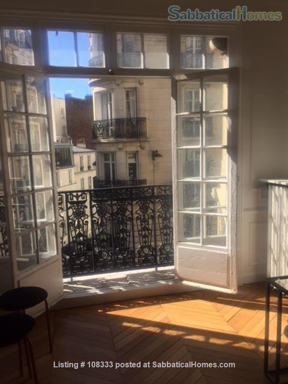 """PARISIAN ELEGANCE, UPSCALE FLAT """"BON STANDING"""", 2 bedroom, (1000 Square feet) Home Rental in Paris, Île-de-France, France 1"""