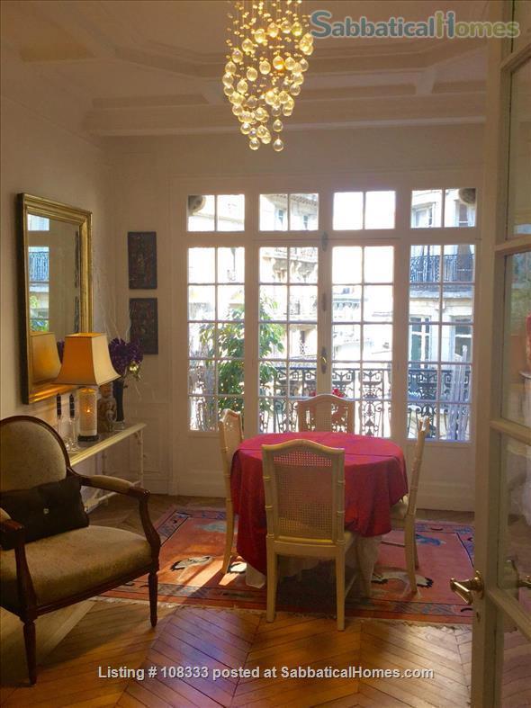 """PARISIAN ELEGANCE, UPSCALE FLAT """"BON STANDING"""", 2 bedroom, (1000 Square feet) Home Rental in Paris, Île-de-France, France 2"""