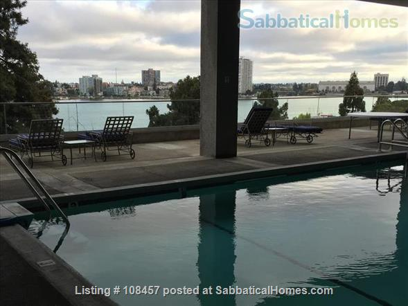 Lake Merritt Penthouse Home Exchange in Oakland, California, United States 1