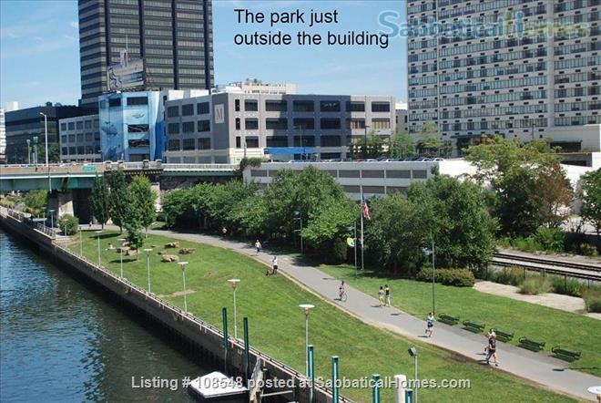 Stunning Loft Water View Best Loc. ALL INCLUSIVE Perfect for Train Lovers Home Rental in Philadelphia, Pennsylvania, United States 8