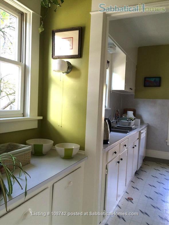 Furnished 2 bd apartment (1300ft2), utilities incl, close-in SE Home Rental in Portland, Oregon, United States 6