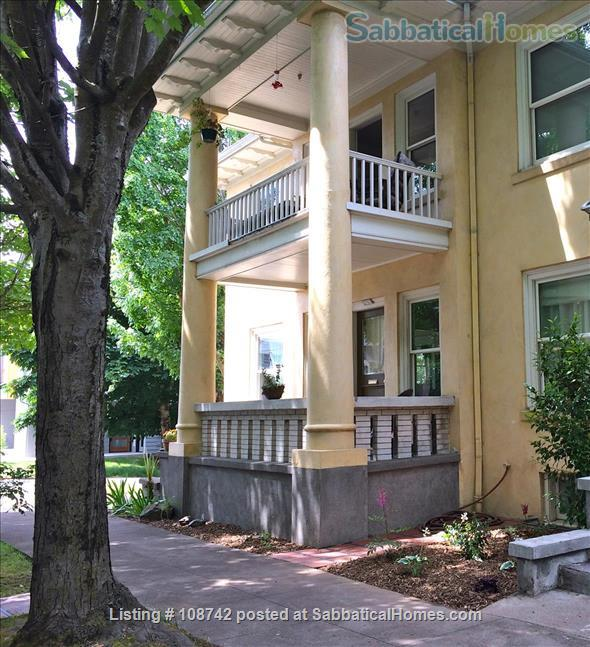 Furnished 2 bd apartment (1300ft2), utilities incl, close-in SE Home Rental in Portland, Oregon, United States 8