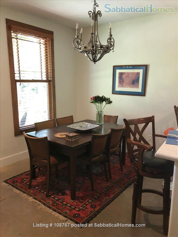 UT/Hyde Park lovely 3 bedroom, 2.5 bath; utilities, high speed WiFi paid Home Rental in Austin, Texas, United States 3