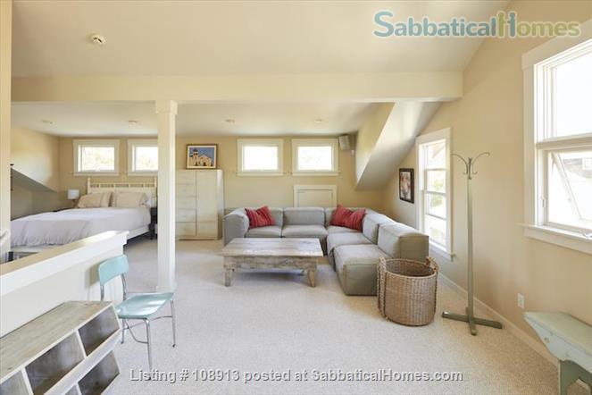 Charming Rockridge Craftsman Home Rental in Oakland 9