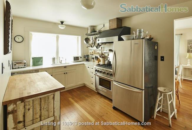 Charming Rockridge Craftsman Home Rental in Oakland 6