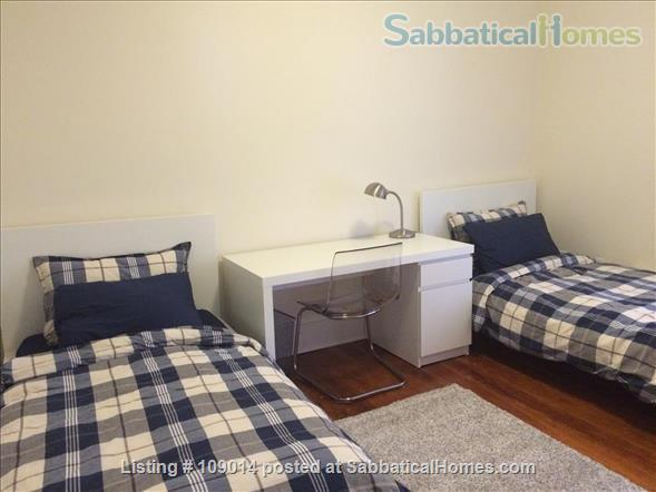 Spacious 2 BR 2BA w/deck on quiet street, steps to Harvard, shops & restaurants. Short or long term.     Home Rental in Cambridge, Massachusetts, United States 7