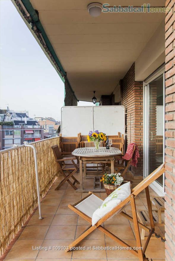 Generous 2-bedroom flat in Sant Antoni very close to Plaça Universitat Home Rental in Barcelona, Catalunya, Spain 3