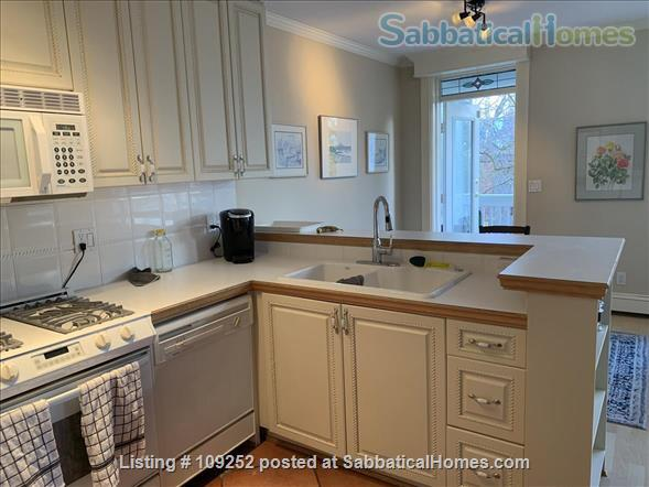 Kits Beach, 2BR, View, Bus Route to UBC Home Rental in Vancouver, British Columbia, Canada 2