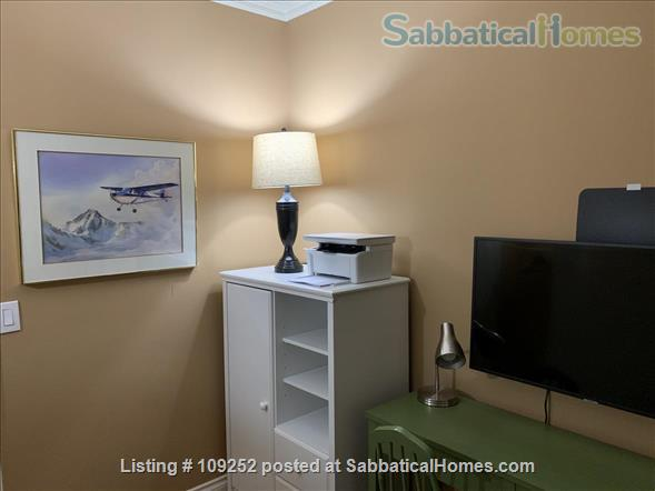 Kits Beach, 2BR, View, Bus Route to UBC Home Rental in Vancouver, British Columbia, Canada 6
