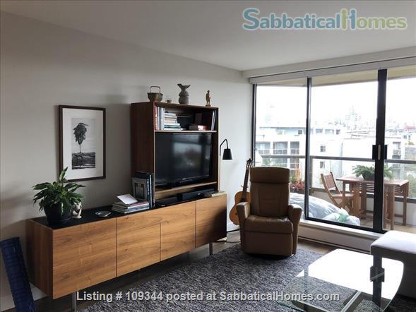 Lovely condo adjacent to False Creek and Granville Island Home Rental in Vancouver, British Columbia, Canada 4
