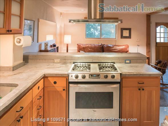 SERENE, FULLY-FURNISHED, 1 BR/1 BA APT ATOP CLAREMONT CANYON. Home Rental in Berkeley, California, United States 5