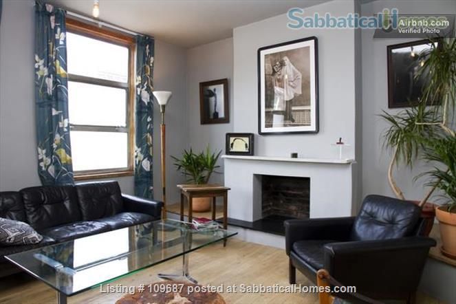 Contemporary central London apartment Home Rental in London, England, United Kingdom 0
