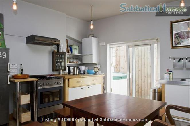 Contemporary central London apartment Home Rental in London, England, United Kingdom 4