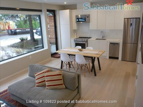 FURNISHED CARRIAGE  HOUSE FOR RENT Dunbar near UBC Home Rental in Vancouver, British Columbia, Canada 3