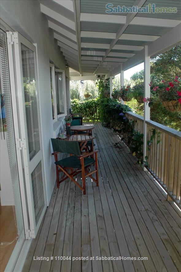 Beautiful Writers Retreat in Devonport Auckland Home Rental in Auckland 3