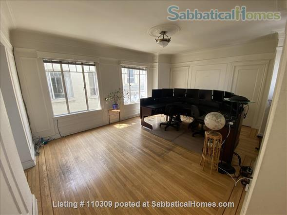 2 of 3 B/R, Huge, Stunning, Downtown Luxury Penthouse w/ Rare Flexibility -- Fireplace, Private Terrace, Hot-Tub, 360-Degree Views Home Rental in San Francisco, California, United States 6