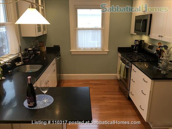 Sunny renovated 2BR near Orange/Green lines, Jamaica Plain Jun 15 or July 1 Home Rental in Boston, Massachusetts, United States 0