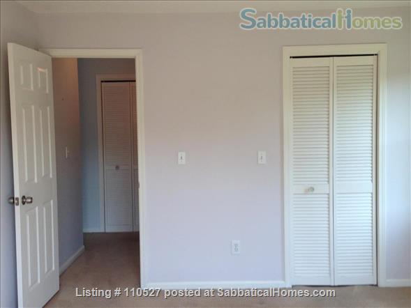Sunny 1 bedroom near Yale Home Rental in Hamden, Connecticut, United States 7