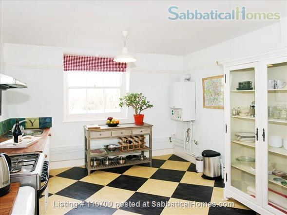 Near Tower Bridge - Entire Floor (70m2/750sq. ft.) in Central London Townhouse  Home Rental in Greater London, England, United Kingdom 3