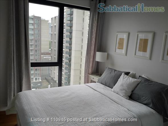 Montreal downtown! New Condo- Central to all MCGILL MUHC locations, *Ideal location* Atwater and St.Catherine Home Rental in Montréal, Québec, Canada 5