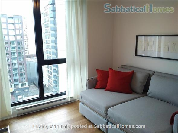 Montreal downtown! New Condo- Central to all MCGILL MUHC locations, *Ideal location* Atwater and St.Catherine Home Rental in Montréal, Québec, Canada 6