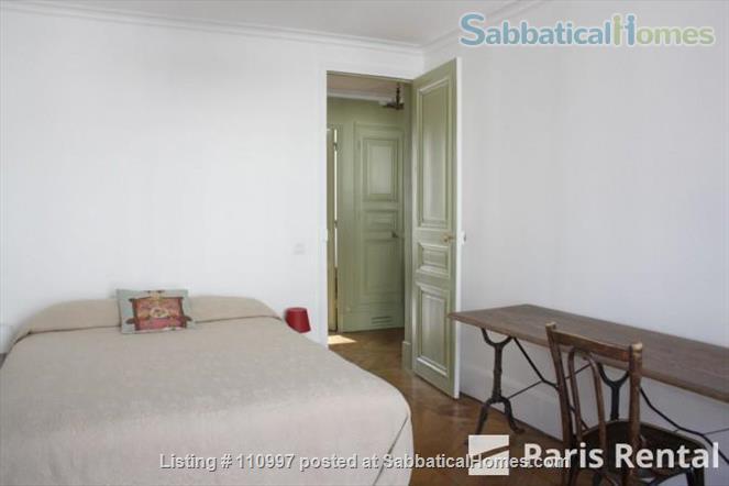 Charming Sunny flat Home Rental in Paris, Île-de-France, France 3