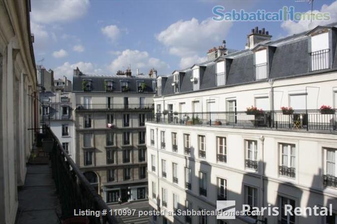 Charming Sunny flat Home Rental in Paris, Île-de-France, France 8