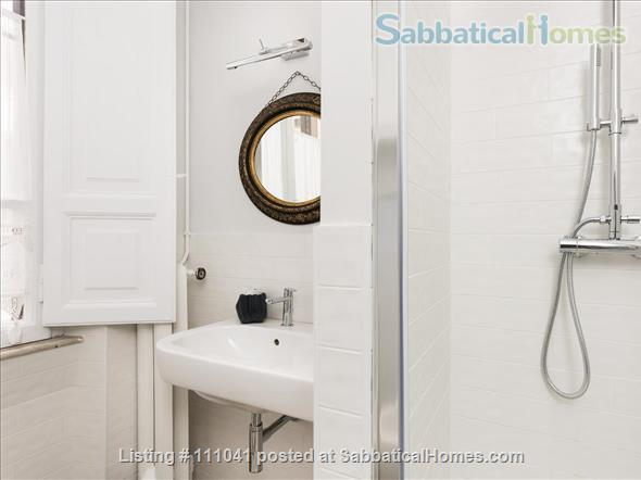 Casa Flavia at the Pantheon: a charming and quiet apartment Home Rental in Roma, Lazio, Italy 9