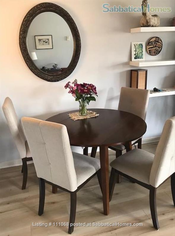 Beautiful Kitsilano apartment. Pet friendly. Great location near the beach, mountain views Home Exchange in Vancouver, British Columbia, Canada 0