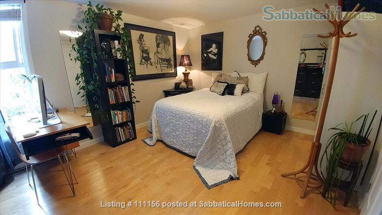 Cat Lovers – enjoy your stay in Vancouver's vibrant Kitsilano! Home Rental in Vancouver, British Columbia, Canada 6