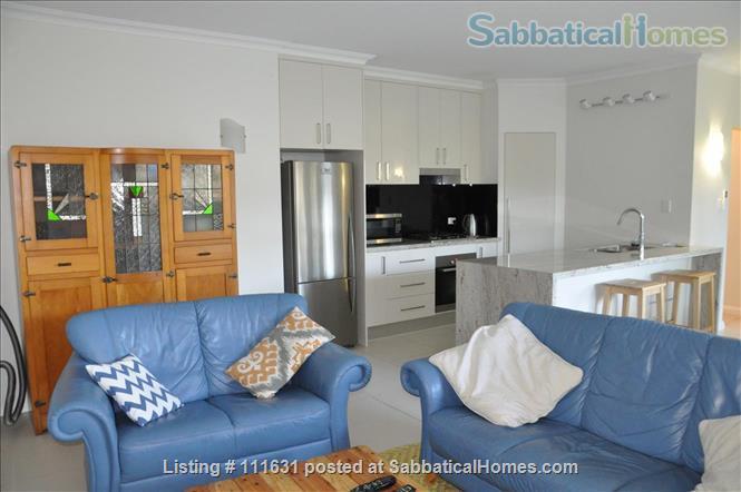 Modern 3 Bedroom Unit, Patio, leafy Yard, Pool Home Rental in South Brisbane, QLD, Australia 0