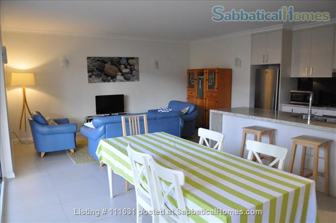 Modern 3 Bedroom Unit, Patio, leafy Yard, Pool Home Rental in South Brisbane, QLD, Australia 2