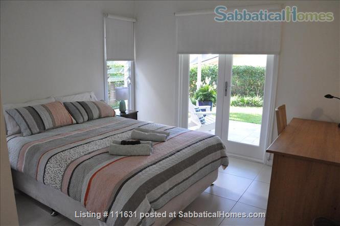 Modern 3 Bedroom Unit, Patio, leafy Yard, Pool Home Rental in South Brisbane, QLD, Australia 3