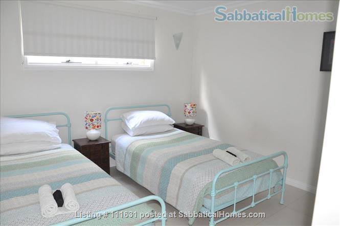 Modern 3 Bedroom Unit, Patio, leafy Yard, Pool Home Rental in South Brisbane, QLD, Australia 5