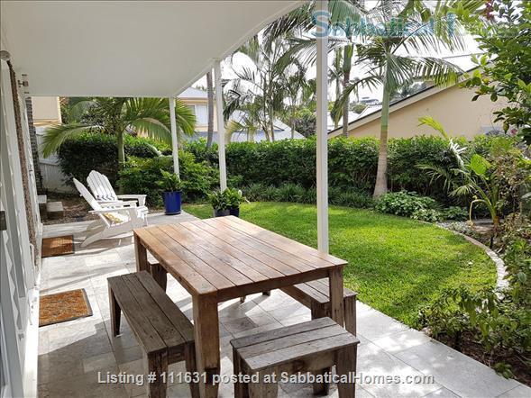 Modern 3 Bedroom Unit, Patio, leafy Yard, Pool Home Rental in South Brisbane, QLD, Australia 7