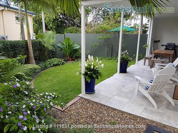Modern 3 Bedroom Unit, Patio, leafy Yard, Pool Home Rental in South Brisbane, QLD, Australia 8