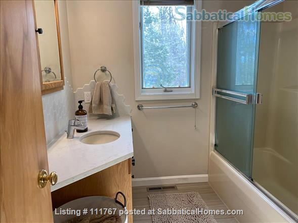Quiet 1 Bedroom Accessory Apartment Close to Umass Amherst Home Rental in Hadley, Massachusetts, United States 5