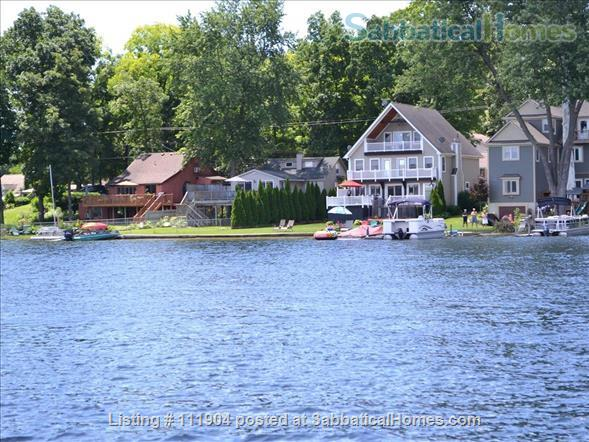 Ann Arbor area beautiful lakefront home with 2 kayaks Home Rental in Whitmore Lake, Michigan, United States 1