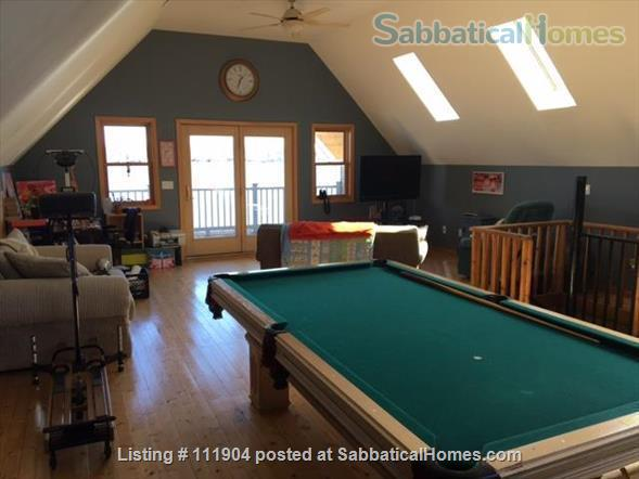 Ann Arbor area beautiful lakefront home with 2 kayaks Home Rental in Whitmore Lake, Michigan, United States 5