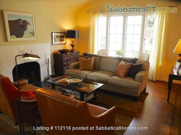 Beautiful furnished two bedroom/two bath house with great bay views includes utilities, cable and more Home Rental in Oakland, California, United States 0