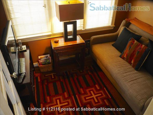 Beautiful furnished two bedroom/two bath house with great bay views includes utilities, cable and more Home Rental in Oakland, California, United States 2