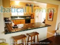Beautiful furnished two bedroom/two bath house with great bay views includes utilities, cable and more Home Rental in Oakland, California, United States 4
