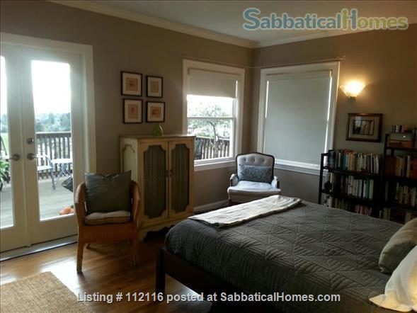Beautiful furnished two bedroom/two bath house with great bay views includes utilities, cable and more Home Rental in Oakland, California, United States 6