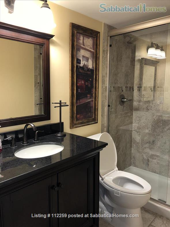 Condo in Central Austin, Bike friendly, bus friendly and reserved parking! Home Rental in Austin, Texas, United States 9