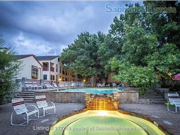 Condo in Central Austin, Bike friendly, bus friendly and reserved parking! Home Rental in Austin, Texas, United States 1