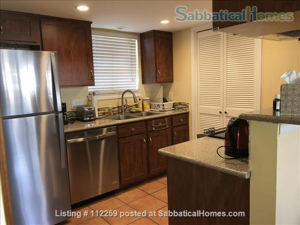 Condo in Central Austin, Bike friendly, bus friendly and reserved parking! Home Rental in Austin, Texas, United States 2